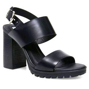 NWOT Steve Madden Emil chunky heel sandals